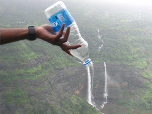 водопад из бутылки