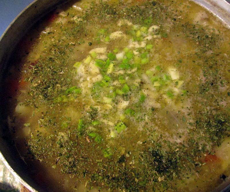 овощной суп - добавляем ингредиенты