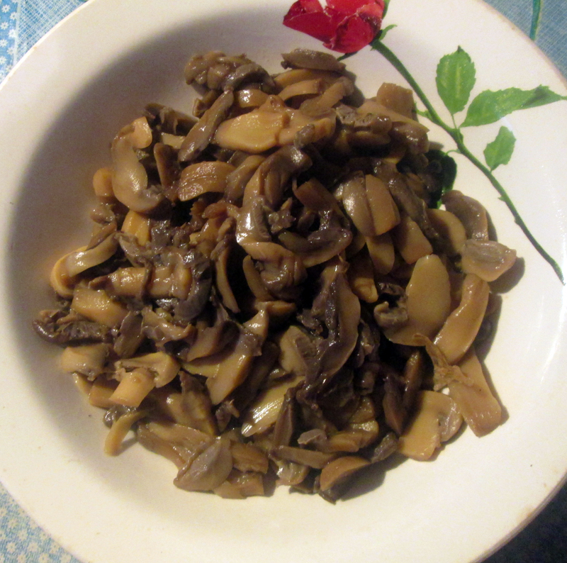 постный борщ с грибами грибы