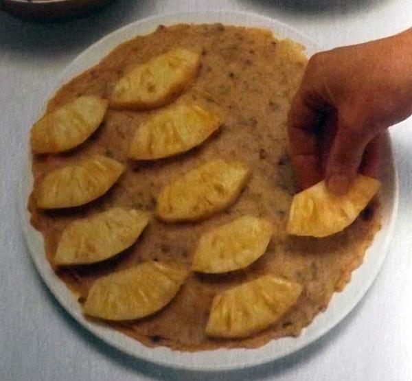 Пышные-оладьи-с-фруктами-5